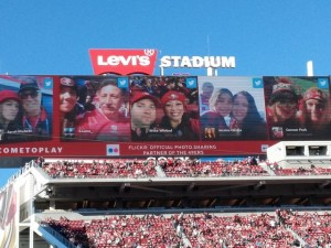 Niners' Flickr promotion on scoreboard -- very popular