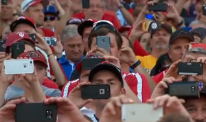 Fans at All-Star Game taking pictures of Pete Rose. Photo: Screenshot courtesy Fox Sports/Cincinnati Reds