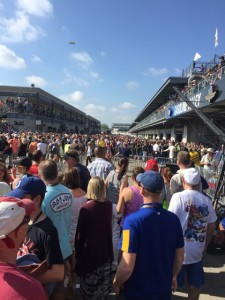Fans stream into Gasoline Alley at the Indy 500. Credit: Verizon Wireless